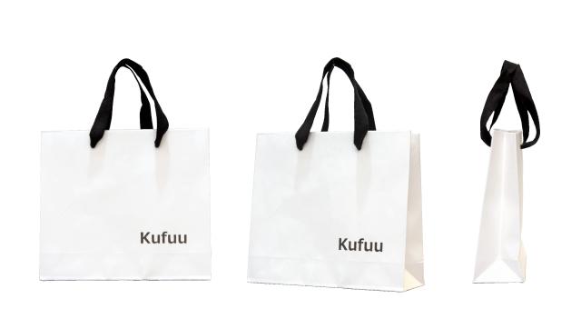 アパレルショップ様の白黒シンプルなオリジナル紙袋の制作事例
